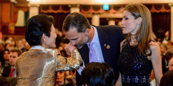 Venus défendre les candidatures de leurs capitales respectives, la princesse Takamado du Japon et les prince et princesse Philippe et Letizia d'Espagne.