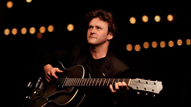 Après le violon puis le violoncelle, Sylvain Luc a choisi la guitare pour la danse.