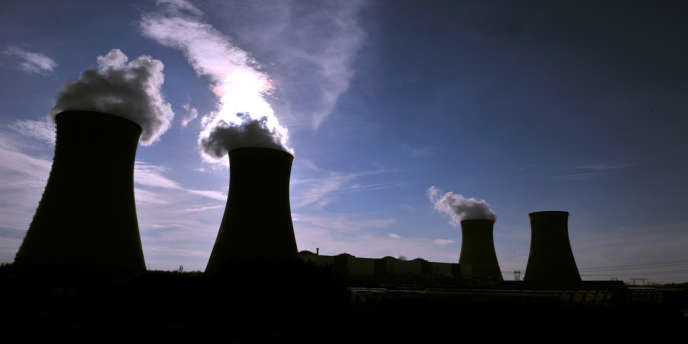 Le parc mondial de centrales nucléaires a reculé de 9 unités depuis 2011 : 24 réacteurs ont été arrêtés, 13 nouveaux ont été mis en chantier et 2 ont été remis en service