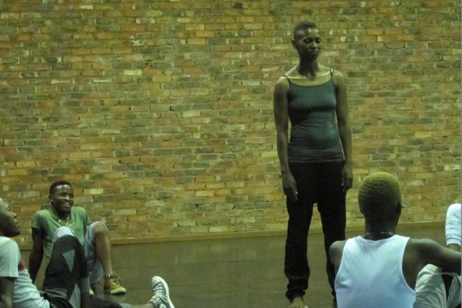 La chorégraphe Mamela Nyamza et la compagnie Les Kids de Soweto, en mai, à Johannesburg.