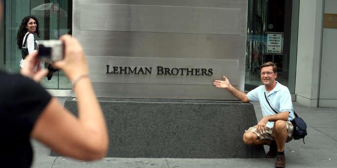 Si la banque américaine a baissé le rideau et que son enseigne a été vendue aux enchères chez Christie's, une armée d'avocats, de fiscalistes, de comptables travaillent encore à la liquidation du siècle.