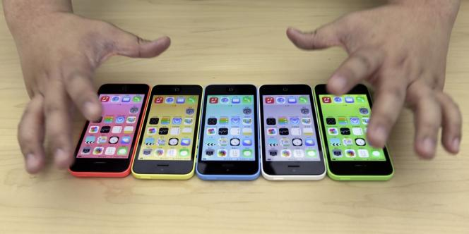 Le nouvel iPhone 5C est disponible en cinq couleurs.