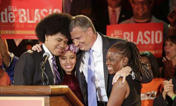 Le candidat démocrate Bill de Blasio, son fils Dante, sa fille Chiara et sa femme Chirlane, le 11 septembre à New York après la primaire démocrate.