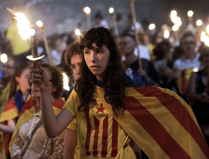 Les indépendantistes de Catalogne ont organisé le 11 septembre une chaîne humaine de 400 kilomètres à travers cette région du nord-est de l'Espagne.