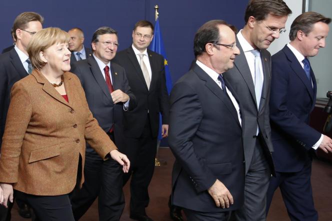 Angela Merkel, José Manuel Barroso, président de la Commission européenne, Valdis Dombrovskis, premier ministre letton, François Hollande, Mark Rutte, premier ministre néerlandais, et David Cameron, au sommet de Bruxelles de novembre 2012.