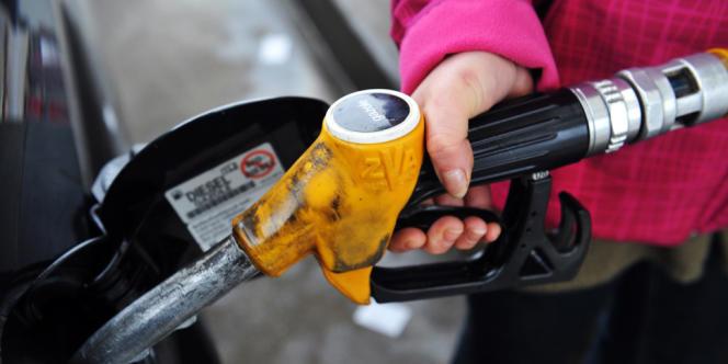 Une contribution climat énergie sera introduite dans la loi de finances, a déclaré le ministre de l'écologie et de l'énergie.