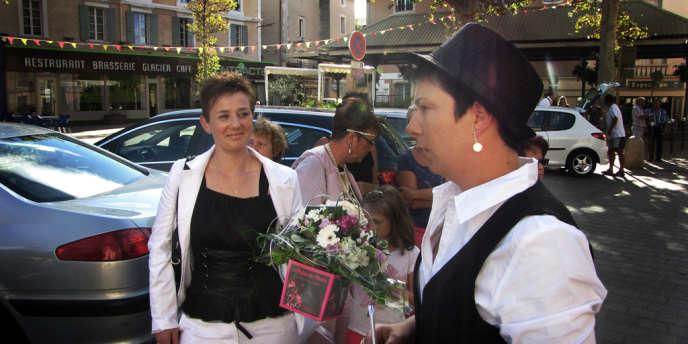 Malgré l'opposition de la maire, Marie-Claude Bompard, Angélique Leroux et Amandine Gilles ont pu se marier mardi 10 septembre.