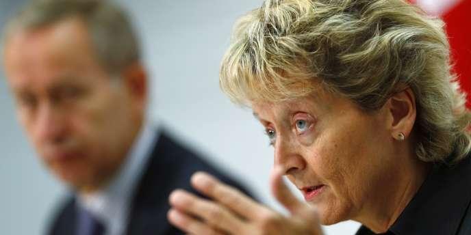 La pression s'accroit sur la Suisse, notamment. « Les principes pour l'échange automatique ont été développés plus vite qu'attendu », a déclaré Eveline Widmer-Schlumpf, ministre des finances de la Confédération helvétique, jeudi 20 février.