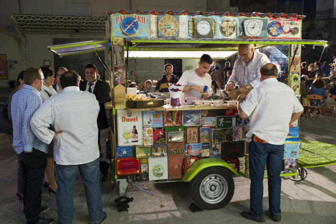 Les grandes Carrioles de la Friche dans le cadre du festival Cuisines en Friche à Marseille.