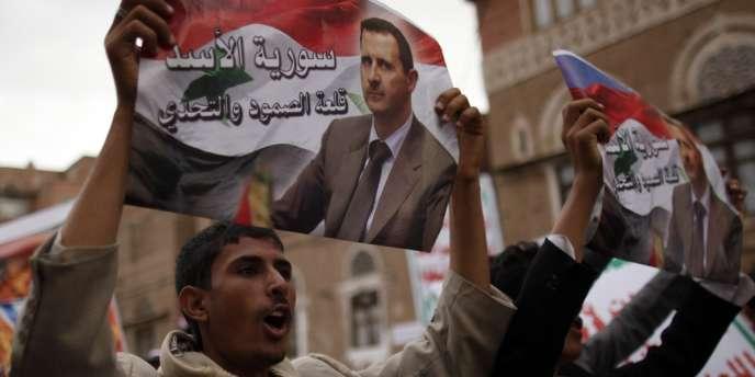 Manifestation de partisans de Bachar Al-Assad, à Sanaa, au Yémen.