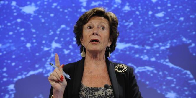 La commissaire européenne à la société numérique, Neelie Kroes, lors de la présentation du