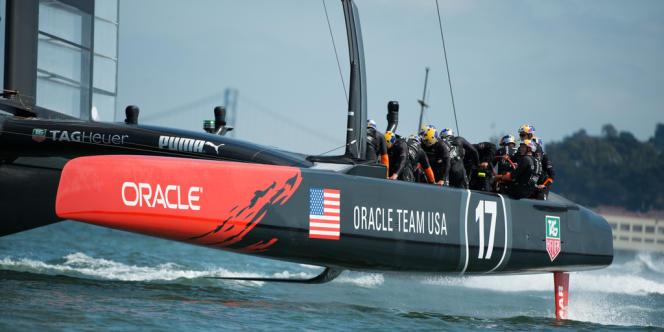 Le defender américain survolant la baie de San Francisco, jeudi.
