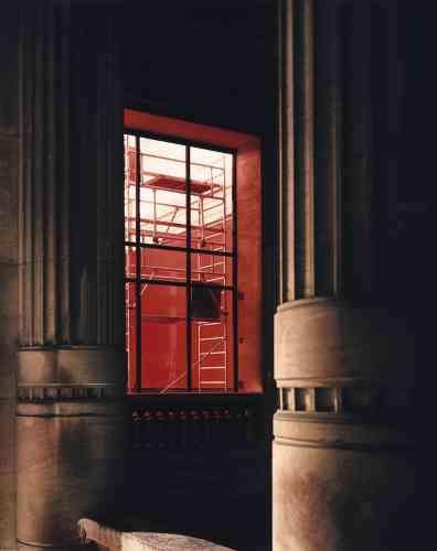 Les travaux ont permis de retrouver le rouge pompéien des murs  du Palais qui avait disparu au cours des restaurations successives.  -