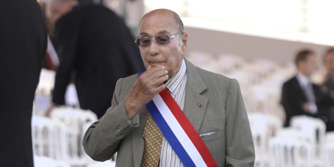 L'ancien maire de Corbeil-Essonnes, Serge Dassault, lors du dernier défilé du 14-Juillet à Paris.