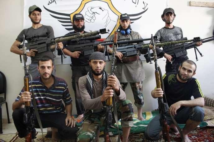 Des combattants de l'Armée syrienne libre, à Alep, dans le nord de la Syrie, le 16 septembre.