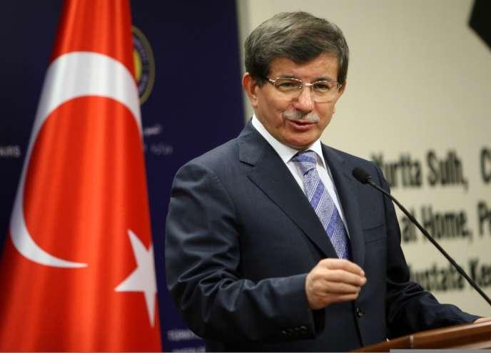 Le ministre turc des affaires étrangères, Ahmet Davutoglu, le 18 septembre, à Ankara.