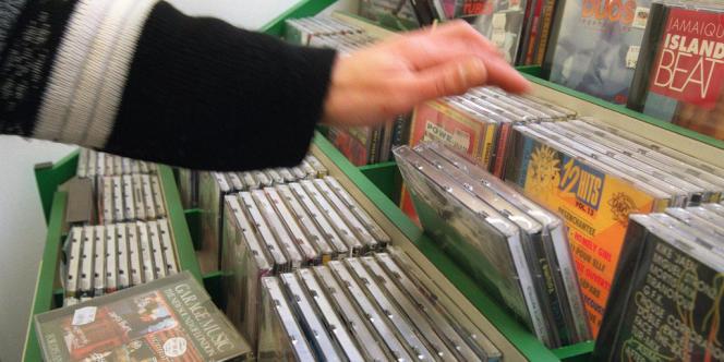 D'après le SNEP, les ventes de musiques (vente de CD et sur Internet) sont en progression de 6,1 % au premier semestre 2013.