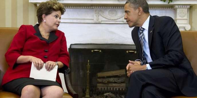 Le président Barack Obama et son homologue brésilienne, Dilma Rousseff, lors d'une précédente rencontre dans le bureau Ovale de la Maison Blanche, en avril 2012 à Washington.