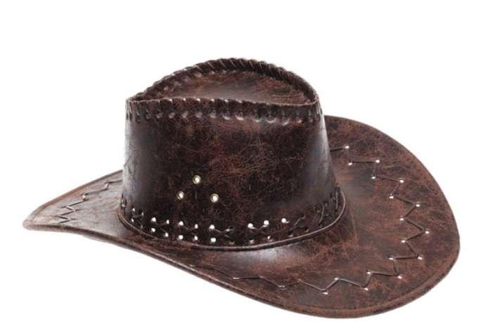 Un chapeau de cow-boy.