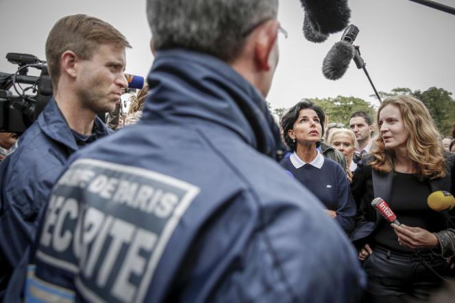 Avec Rachida Dati, maire du 7e arrondissement de Paris, Nathalie Kosciusko-Morizet évoquait les thèmes de la sécurité, près de la tour Eiffel le 19 septembre.
