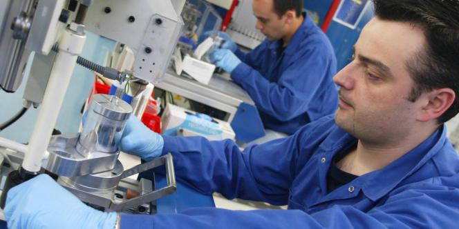 La capacité de production de batteries du site d'Ergué-Gabéric, près de Quimper, est doublée de 2 500 à 5 000 unités par an.