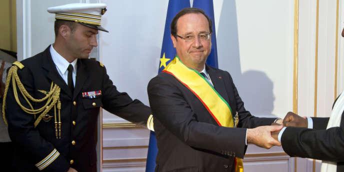 Le chef de l'Etat doit assister à l'investiture d'Ibrahim Boubacar Keita, le nouveau président malien, jeudi à Bamako.