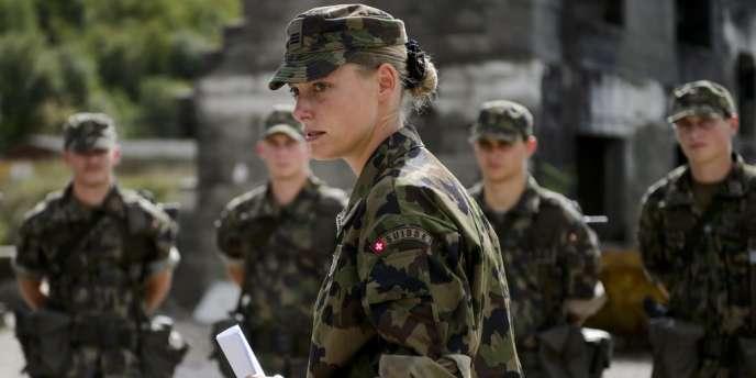 Rencontres uniformes militaires