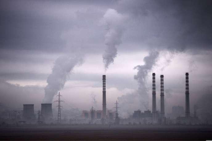 Vue d'une centrale thermique de Sofia, en Bulgarie.