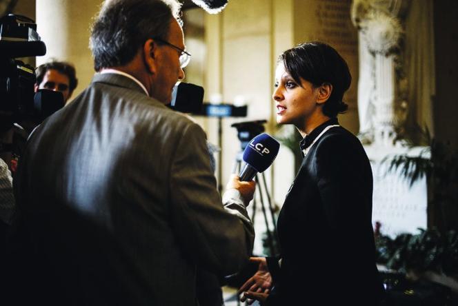 L'ultime pièce de choix : les ministres (ici, Najat Vallaud-Belkacem). Une denrée si rare qu'elle laisse souvent les acheteurs décontenancés.