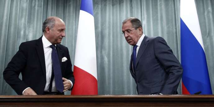 Le ministre des affaires étrangères français, Laurent Fabius, et son homologue russe, Sergueï Lavrov.