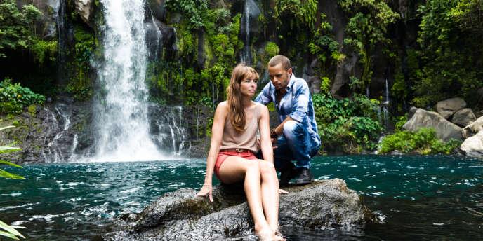 Les Bassins Bleus (Île de la Réunion), décor de rêve ou de cauchemar pour Laura (Julie Boulanger) et Adil (Ambroise Michel) ?