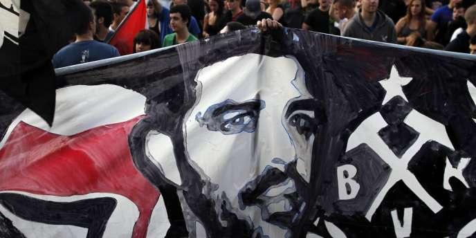 Manifestation en hommage au rappeur grec Pavlos Fyssas, le 20 septembre, tué par un membre du parti grec d'extrême droite Aube Dorée..