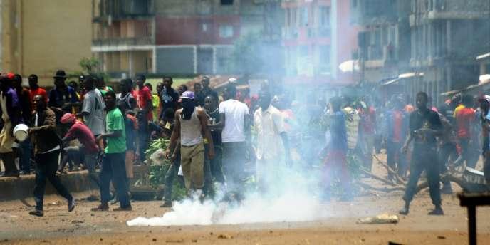 Depuis le 22 septembre, la campagne électorale a été marquée par des violences dans la banlieue de Conakry, qui ont fait un mort et plus de 70 blessés, selon un bilan du gouvernement.