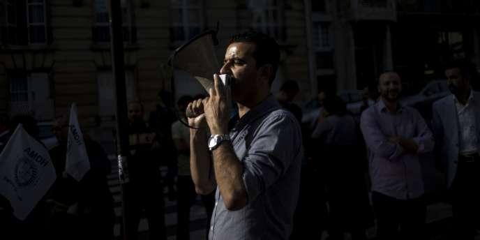 Manifestation de soutien à Ali Anouzla, le 21 septembre devant l'ambassade du Maroc à Paris.