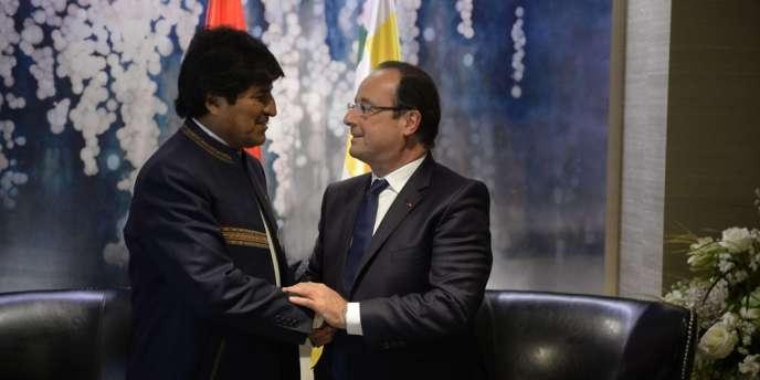 Après l'incident diplomatique de juin, le président bolivien Evo Morales et François Hollande se sont rencontrés en marge de l'assemblée générale de l'ONU à New York mardi 24 septembre.