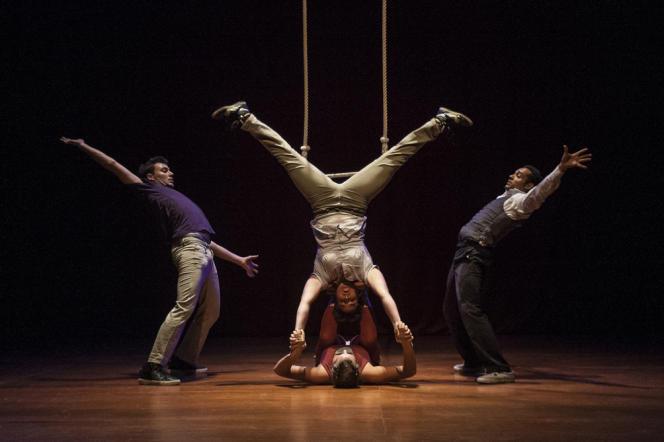 Spectacle de l'Ecole du cirque le 19 septembre, à Bruxelles.