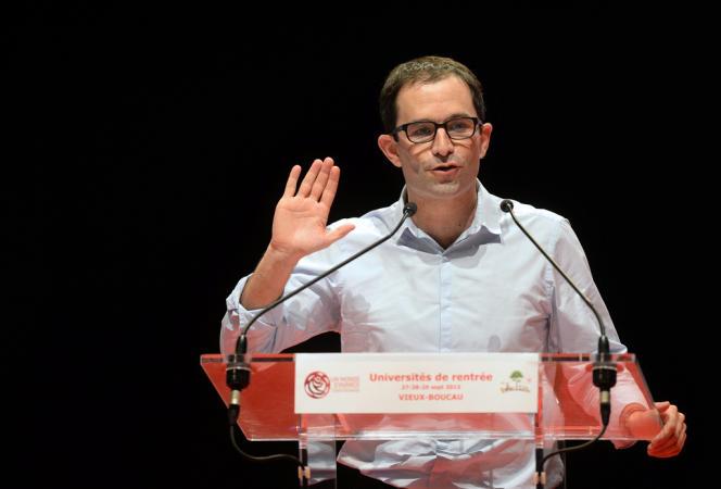 Benoît Hamon, ministre délégué à la consommation et à l'économie sociale et solidaire, samedi 28 septembre à Vieux-Boucan (Landes), lors de l'université de rentrée de son courant,