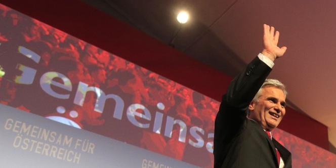 Le chancelier autrichien Werner Faymann après son discours dans son QG de campagne, à la fin des élections législatives, dimanche 29 septembre à Vienne.