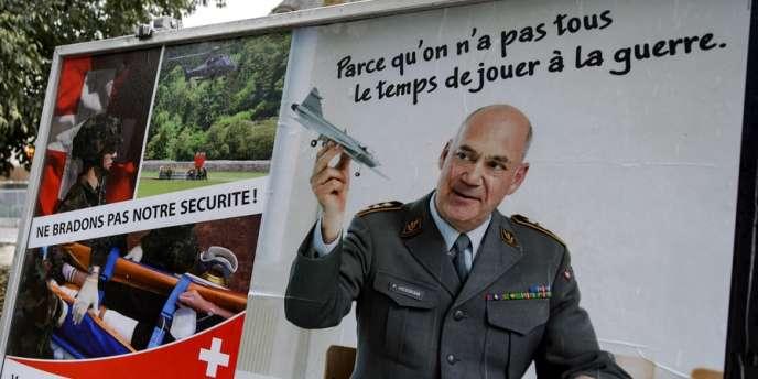 Dimanche dernier, les Suisses ont voté à une très large majorité contre la fin du service militaire obligatoire et son remplacement par des volontaires ou par une petite armée de métier.