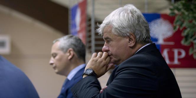 Le maire UMP du Raincy Eric Raoult (ici en octobre 2011) envisage d'interdire l'ouverture d'un club de gym réservé aux femmes.