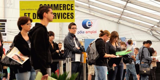 Forum pour l'emploi à Englos, dans l'agglomération lilloise, le 6 septembre.