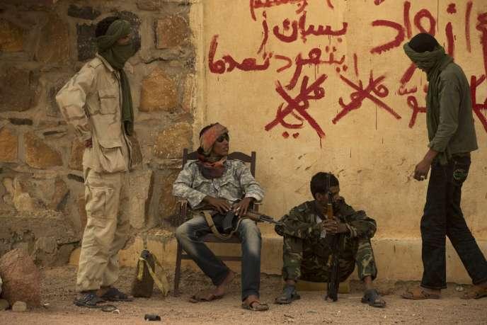 Des membres du Mouvement national de libération de l'Azawad (MNLA) à Kidal, le 26 juillet 2013.