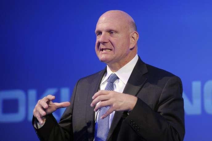 Le PDG de Microsoft, Steve Ballmer, avait annoncé, le 23 août 2013, qu'il prendrait sa retraite d'ici à la fin août 2014.