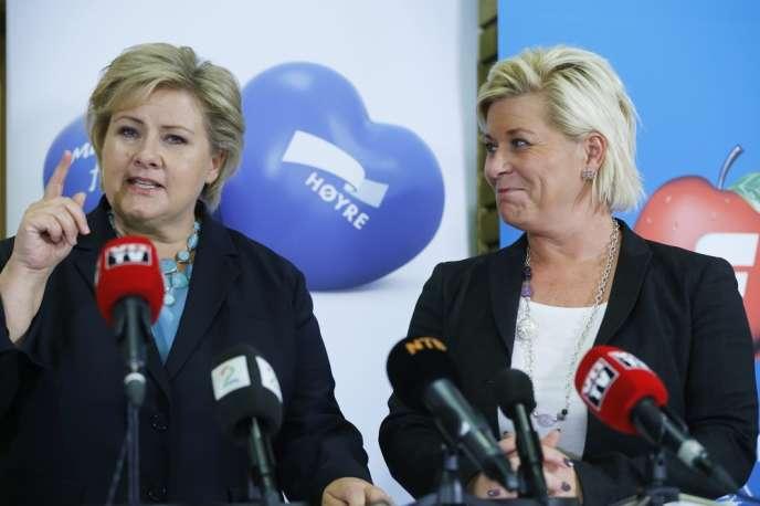 Erna Solberg (à gauche) et Siv Jensen, à Oslo, le 30 septembre.
