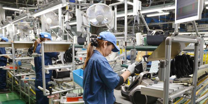 Dans une usine d'Hitachi près de Tokyo au Japon.