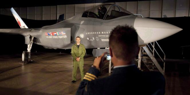 Un avion de chasse F-53 au Canada.