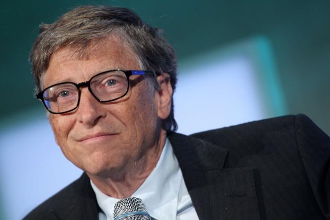 Le fondateur de Microsoft, qui possédait 49 % des parts de la société avant son introduction en Bourse en 1986, vend environ 80 millions d'actions Microsoft chaque année en vertu d'un plan préétabli. A ce rythme, il ne possédera plus de titres de la société en 2018.