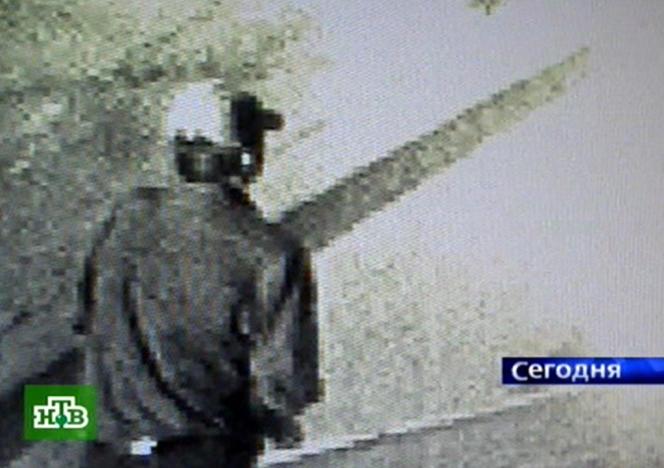 Image de vidéosurveillance diffusée par la chaine privée russe NTV, montrant l'assassin présumé d'Anna Politkovskaya.