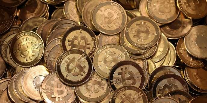 Les bitcoins n'obéissent à aucune des règles traditionnelles. Ils ne sont pas supervisés par une banque centrale, comme les euros ou les dollars.