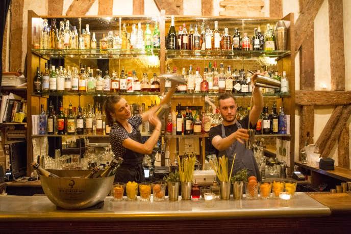 Des bars, comme l'Experimental à Paris travaillent à la conception de leurs